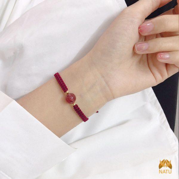 Vòng dây may mắn thạch anh hồng dâu tây - mệnh Thổ, Hỏa